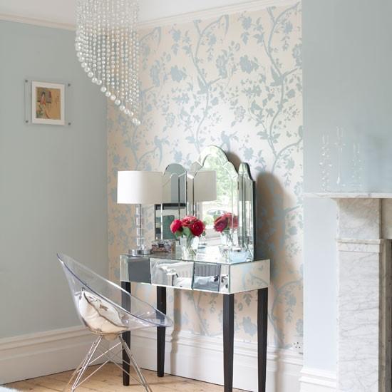 zones in the bedroom Bedroom wallpaper ideas housetohomecouk 550x550