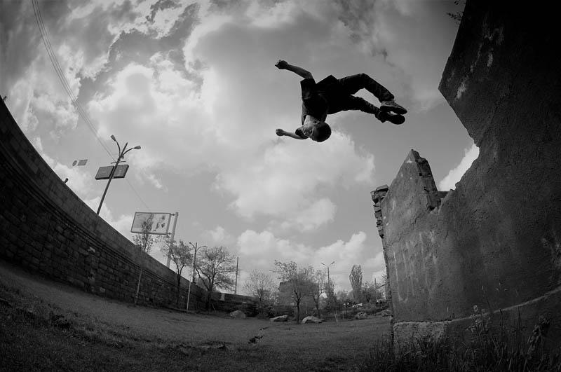 25 Incredible Parkour Photographs TwistedSifter 800x531