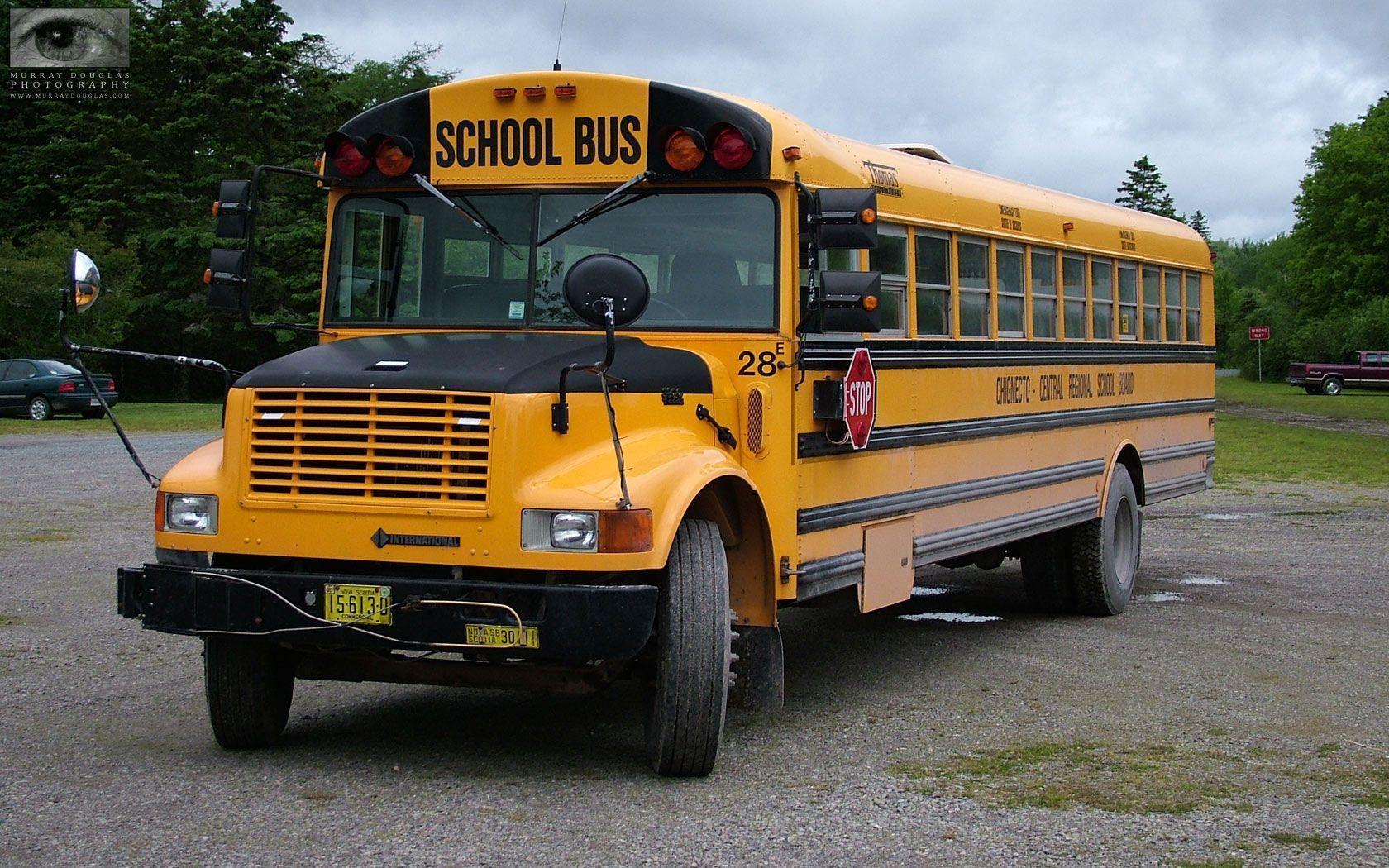 School Bus Wallpapers 1680x1050