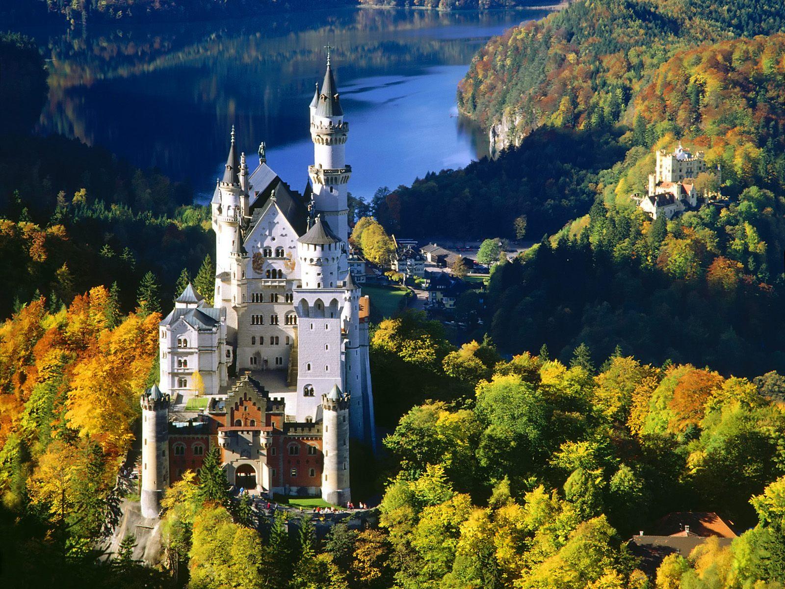 the Mother of All German Castles Neuschwanstein Castle in Fssen 1600x1200