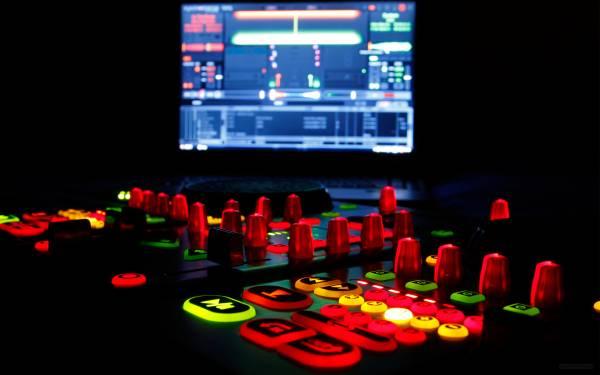 Music DJ DJ setup recording studio desktop wallpapers 1920x1200 HQ 600x375
