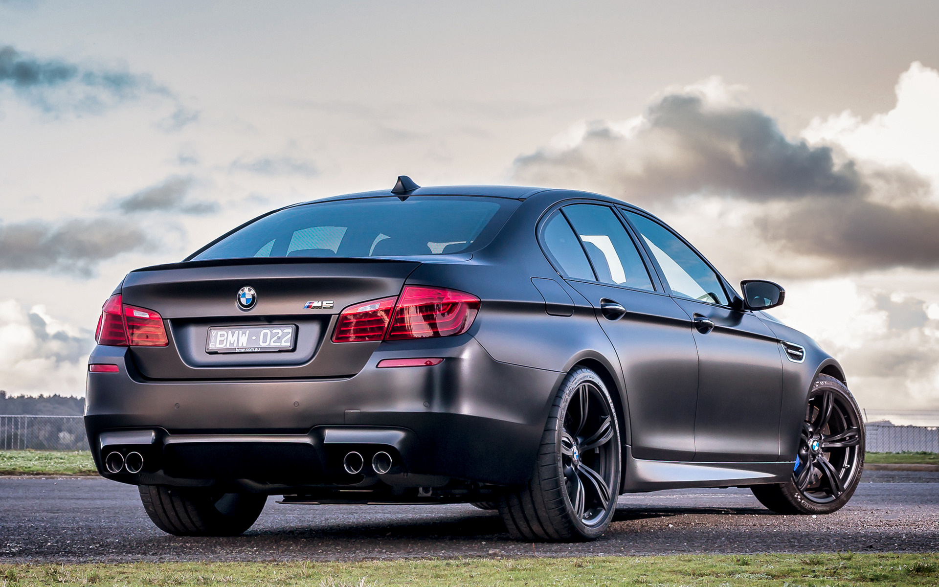 2015 BMW M5 Wallpaper 1920x1200