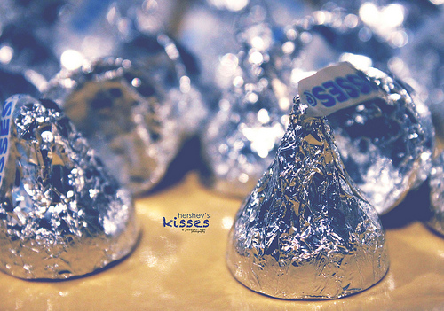 hershey kiss background 500x351
