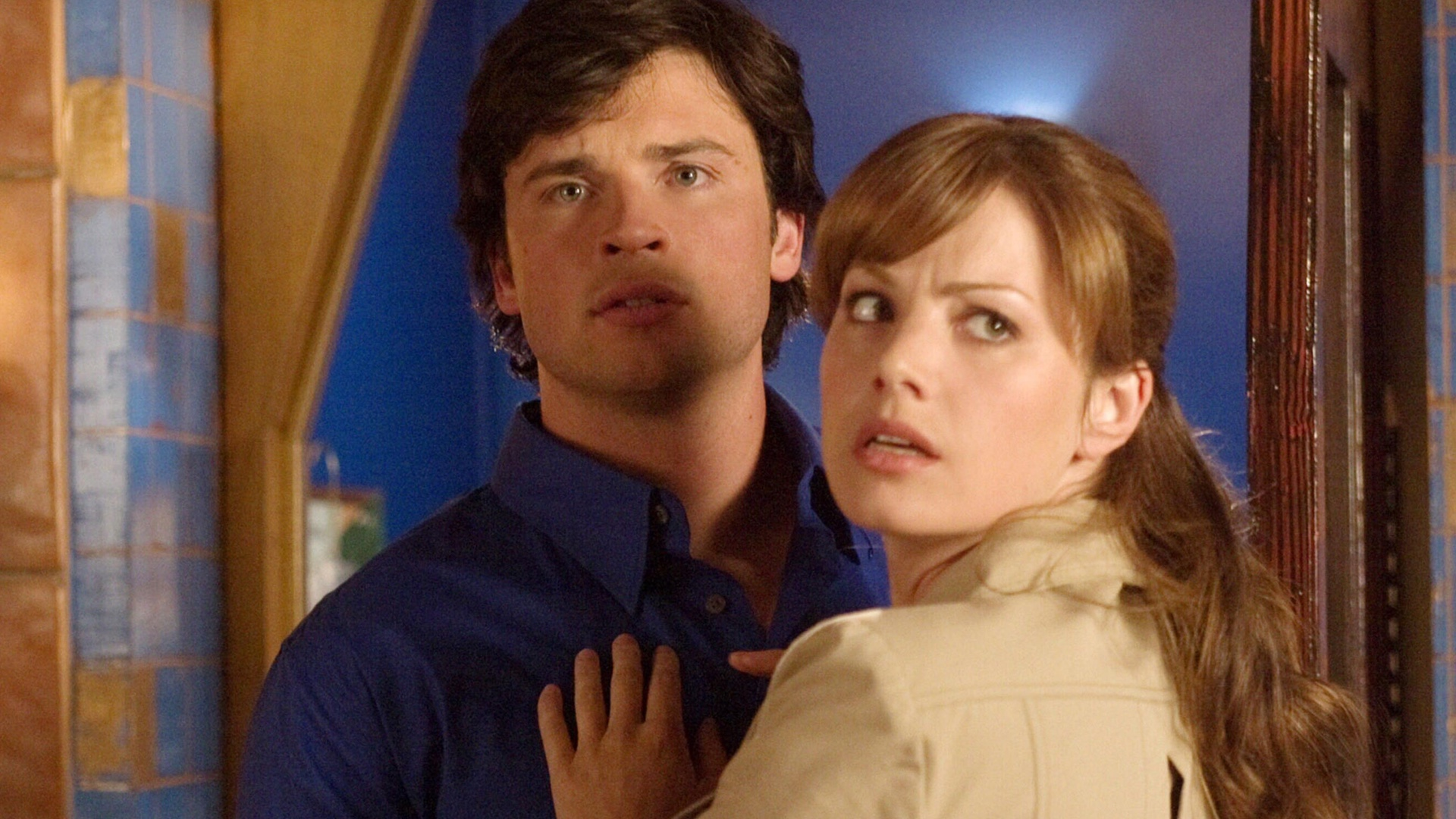 SMALLVILLEs Tom Welling Meets SUPERGIRLs Superman and Lois Lane 1920x1080