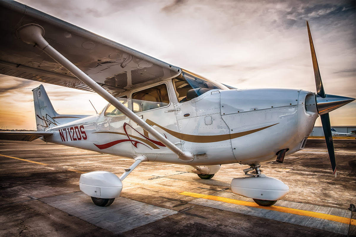 10 Facts You Didnt Know About The Cessna 172 Skyhawk Boldmethod 1200x800