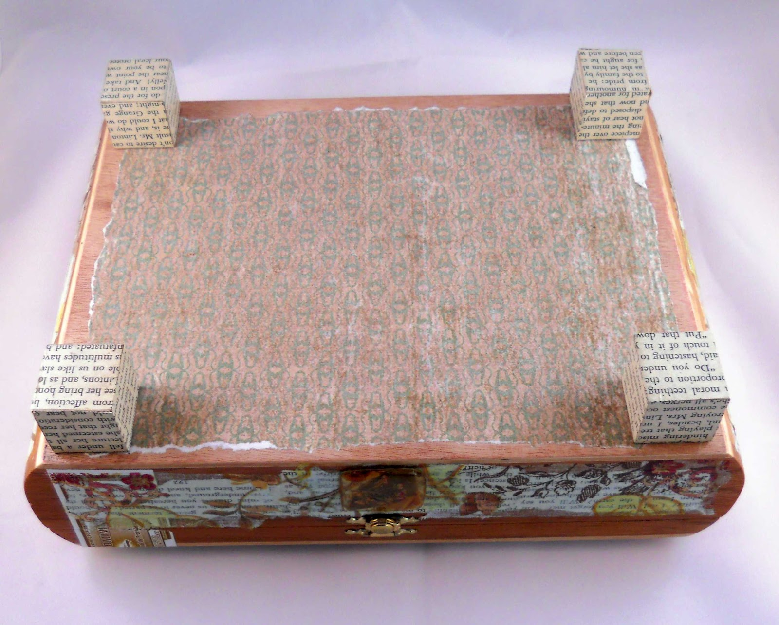 lid was covered with vintage wallpaper T he outside of the cigar box 1600x1284