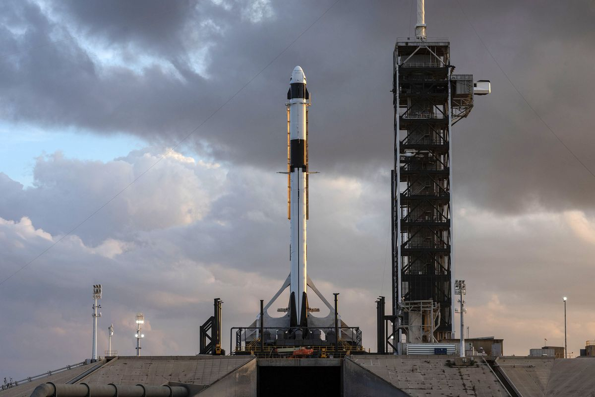 SpaceX achieves testing milestone under the shadow of a government 1200x800