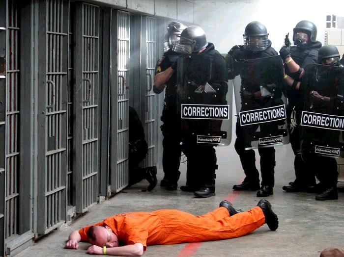 external image Prison Tactical Teamjpg 700x524