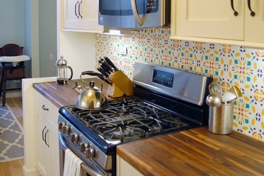15 Ideas for Removable DIY Kitchen Backsplashes Renters Solutions 540x360