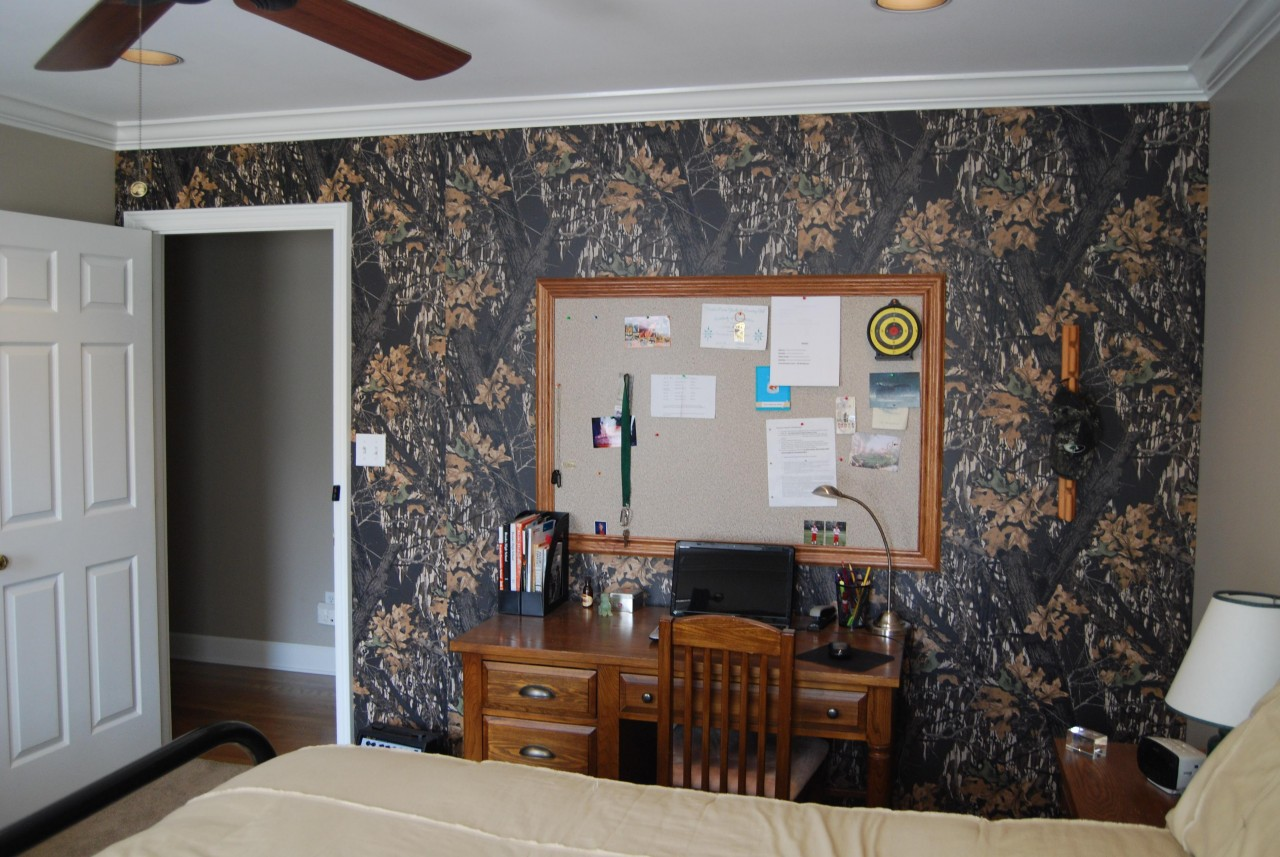 Mossy Oak camouflage paneling featured in a boys bedroom makeover 1280x857