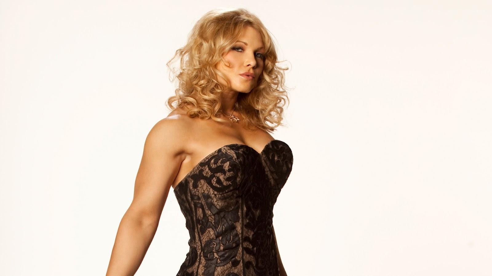 HD wallpapers WWE Super Hot Divas Full HD Wallpapers of Beth Phoenix 1600x900
