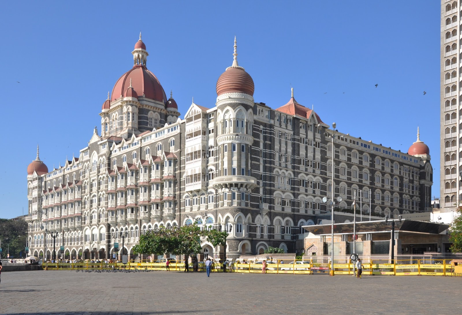 hotel mumbai hd wallpapers download 1080p Fine HD Wallpapers 1600x1091