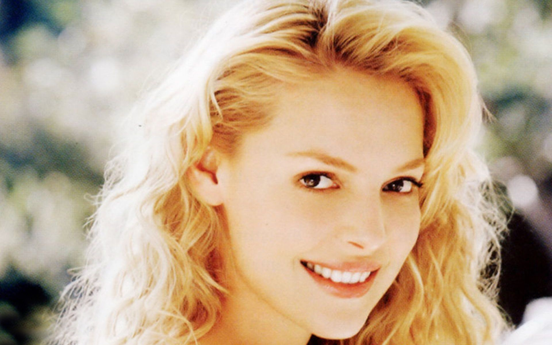 Katherine Heigl Wallpapers High Resolution and Quality Download 1920x1200