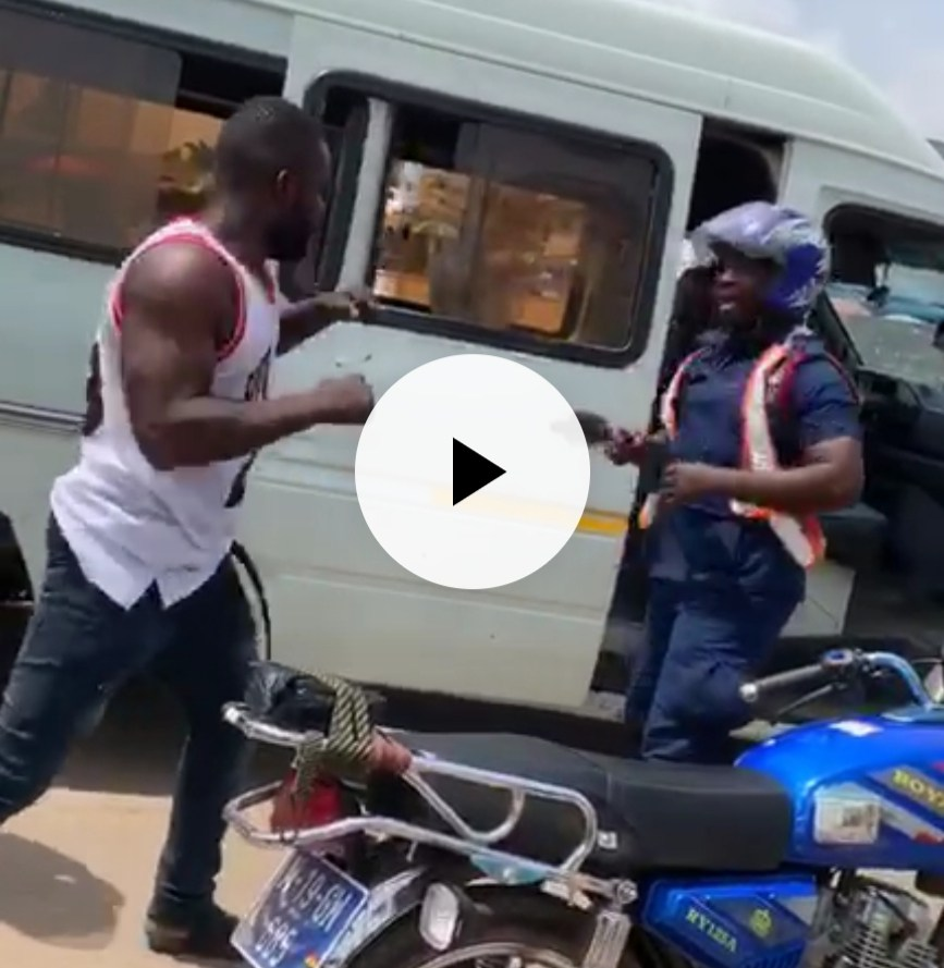 Trotro drivers and their mates beat up policeman at bus station 867x889