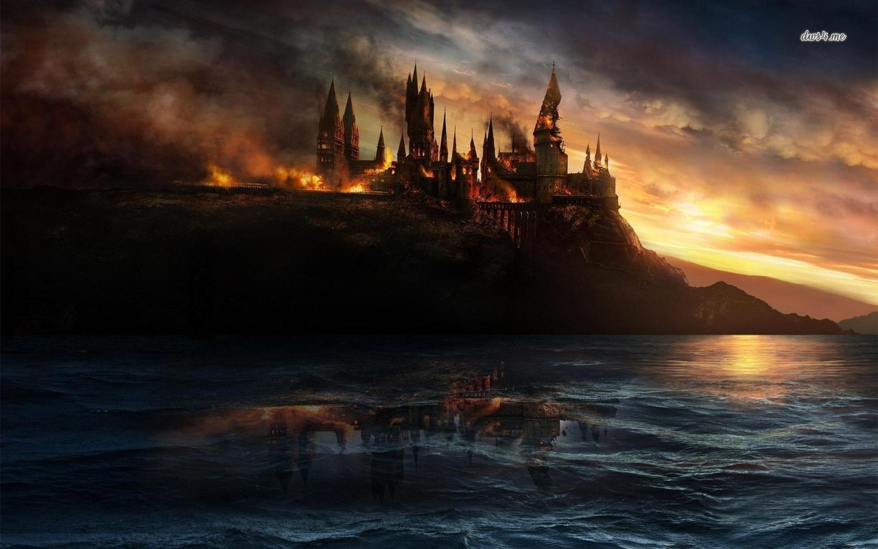 Hogwarts in flames   Harry Potter and the Deathly Hallows wallpaper 1280x800