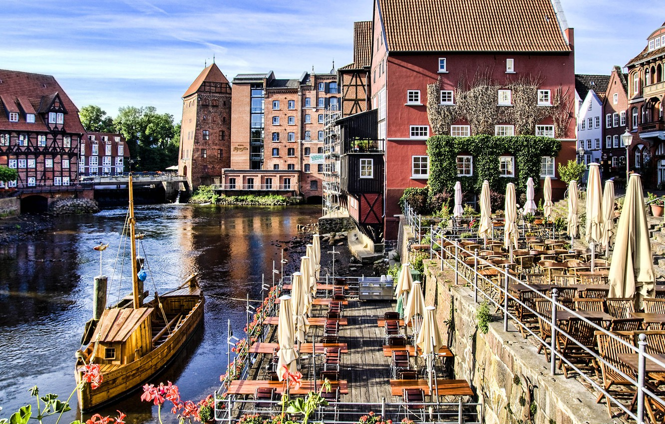 Wallpaper Germany old town Lneburg historic city images for 1332x850