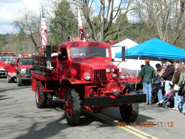 1250 fire truck wallpapers in high resolution by cars wallpapers 640x480