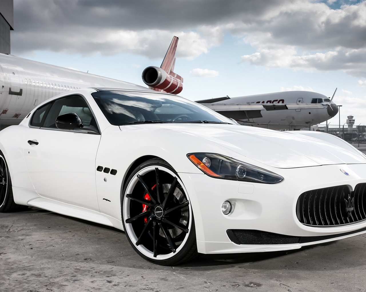 Maserati white supercar Wallpaper 1280x1024 resolution wallpaper 1280x1024