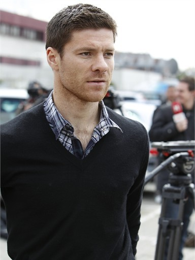 All Super Stars Xabi Alonso Pictures Images And Wallpapers 2012 384x512