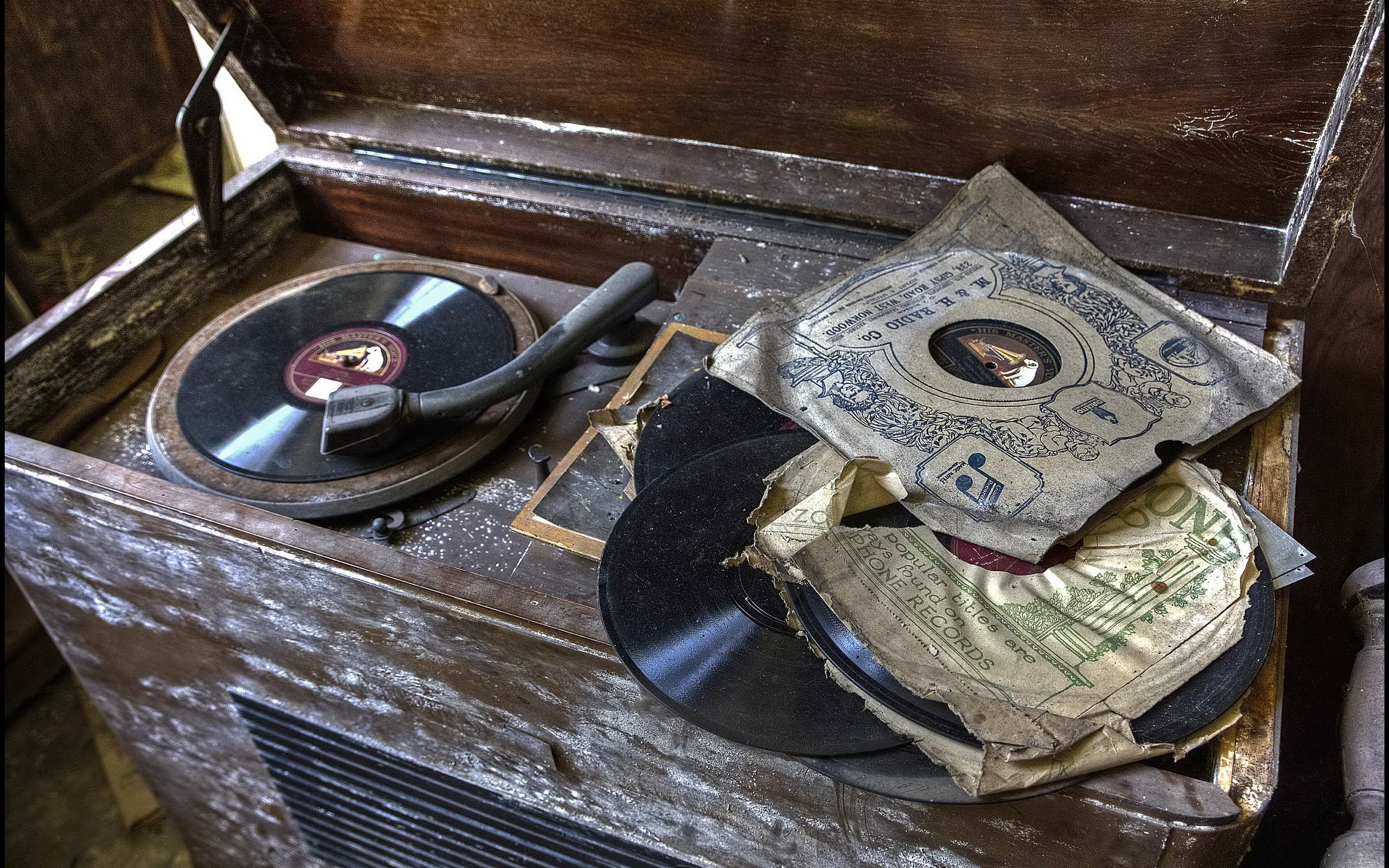 Vintage gramophone wallpapers and images   wallpapers pictures 2560x1600