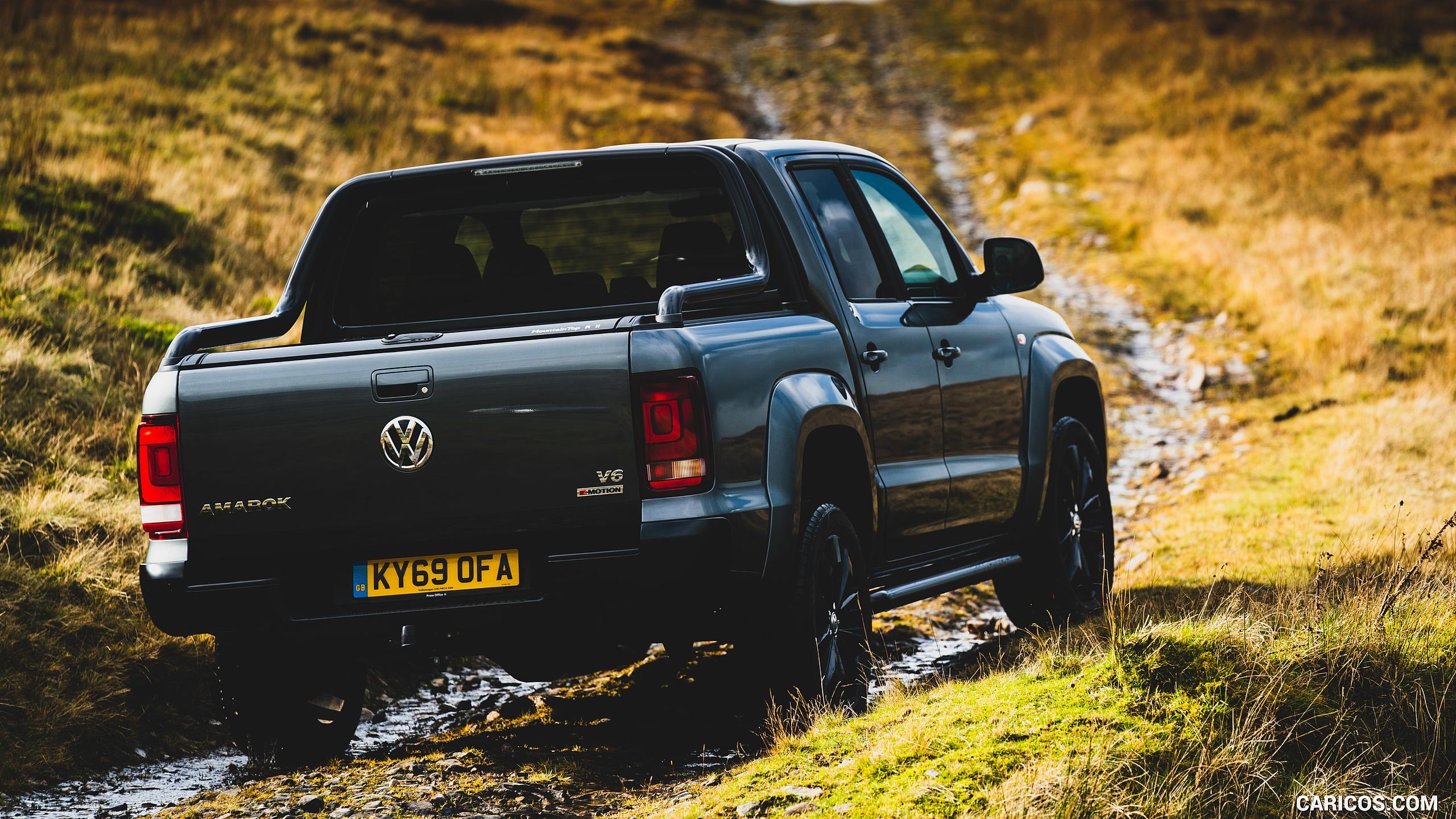 2019 Volkswagen Amarok Black Edition UK Spec   Rear Three 2560x1440