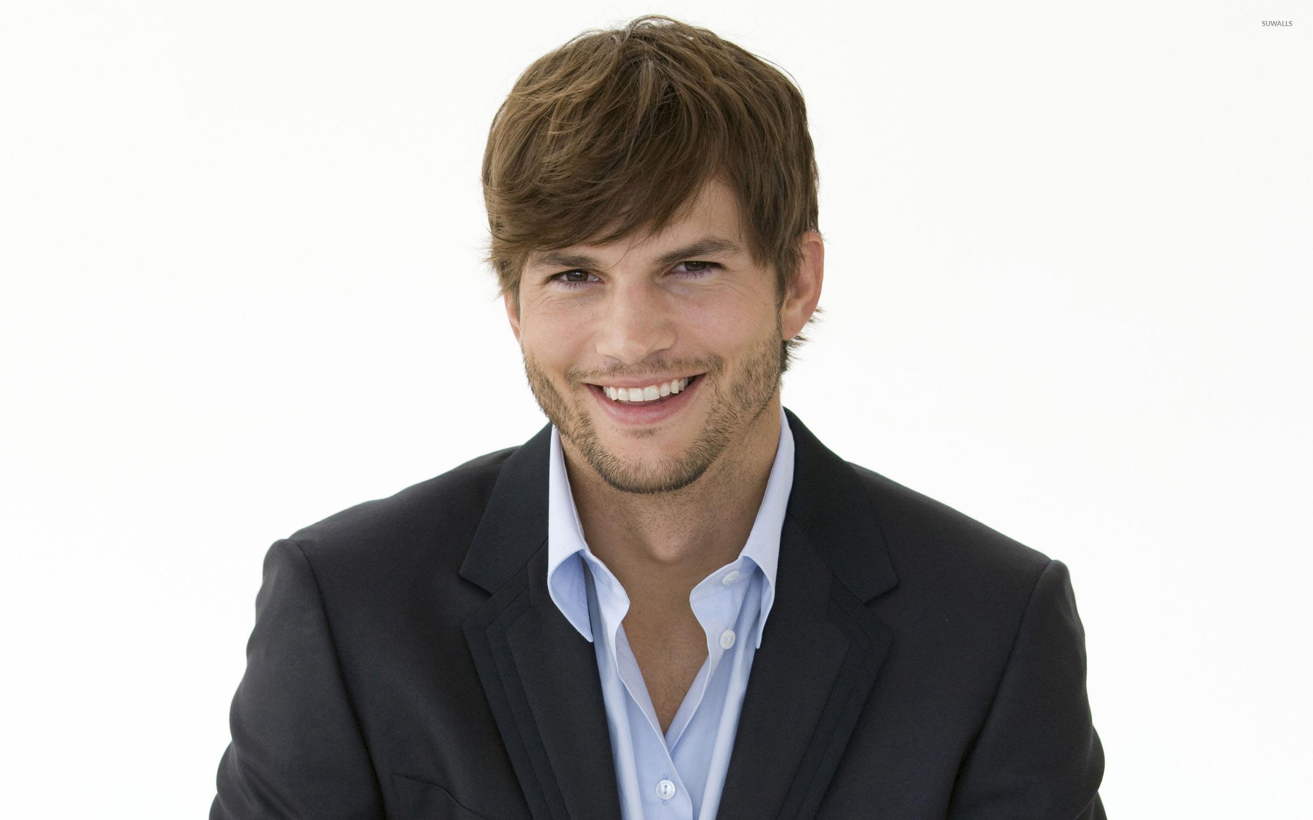 Ashton Kutcher Wallpaper 12   2560 X 1600 stmednet 2560x1600