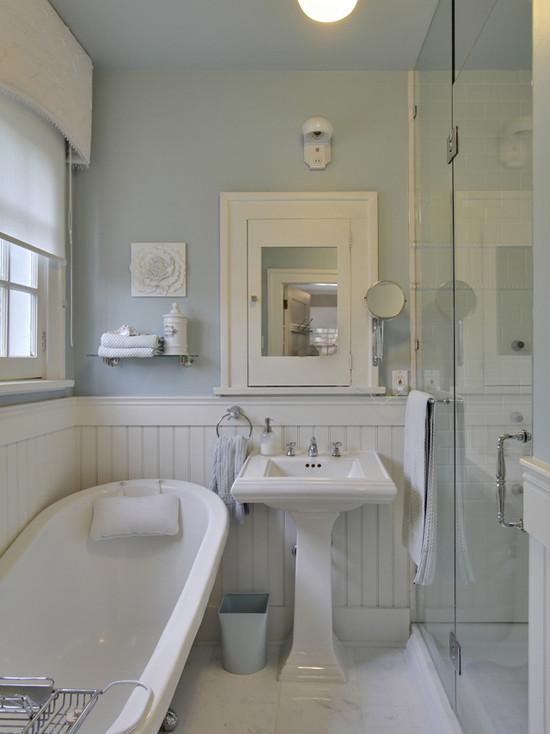 White Beadboard bathroom Cottage bathroom Benjamin Moore Gossamer 550x734