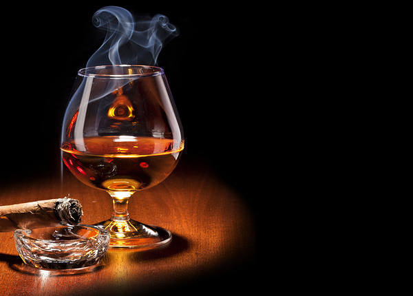 Cigar and Whiskey Wallpaper 600x430