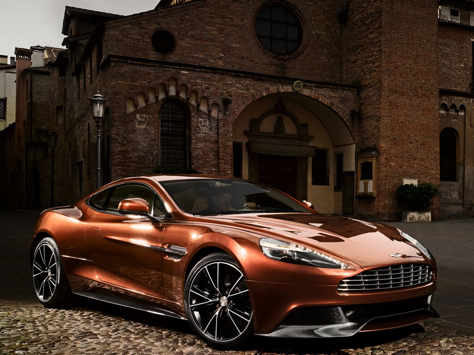 Aston Martin Vanquish Wallpaper Photos 8080 Wallpaper Wallpaper 1600x1200