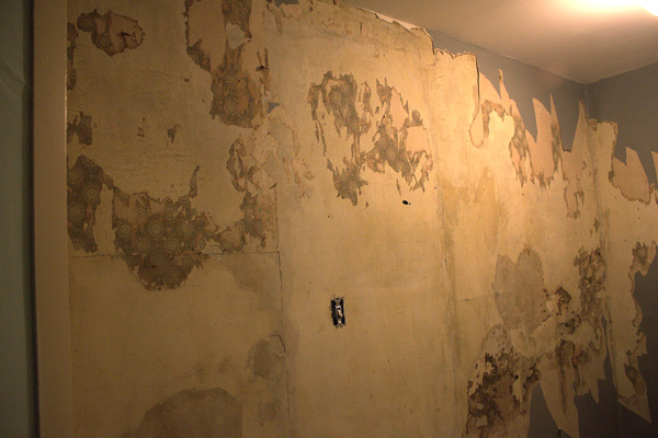 removing wallpaper the crafty sisters 600x400