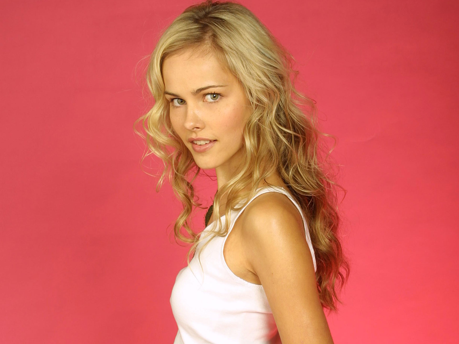 Transformers Girl Isabel Lucas Wallpapers HD Wallpapers 1920x1440