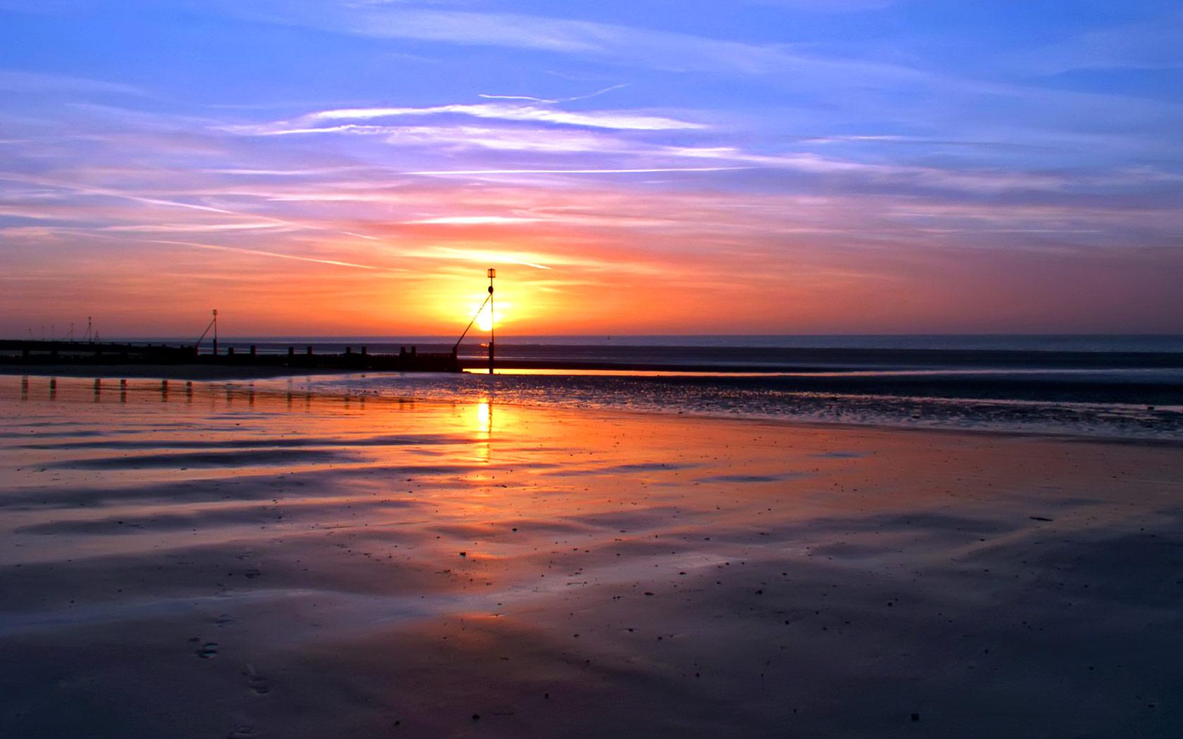 Sunset Beach in Norfolk Desktop Wallpaper 1680x1050