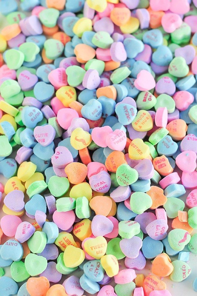 Valentines Day wallpaper lockscreen hearts candy color 680x1024