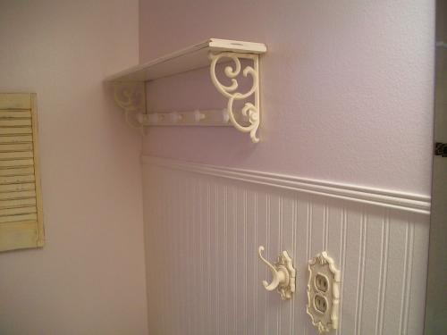 Martha Stewart beadboard wallpaper with chair rail this sounds like 500x375
