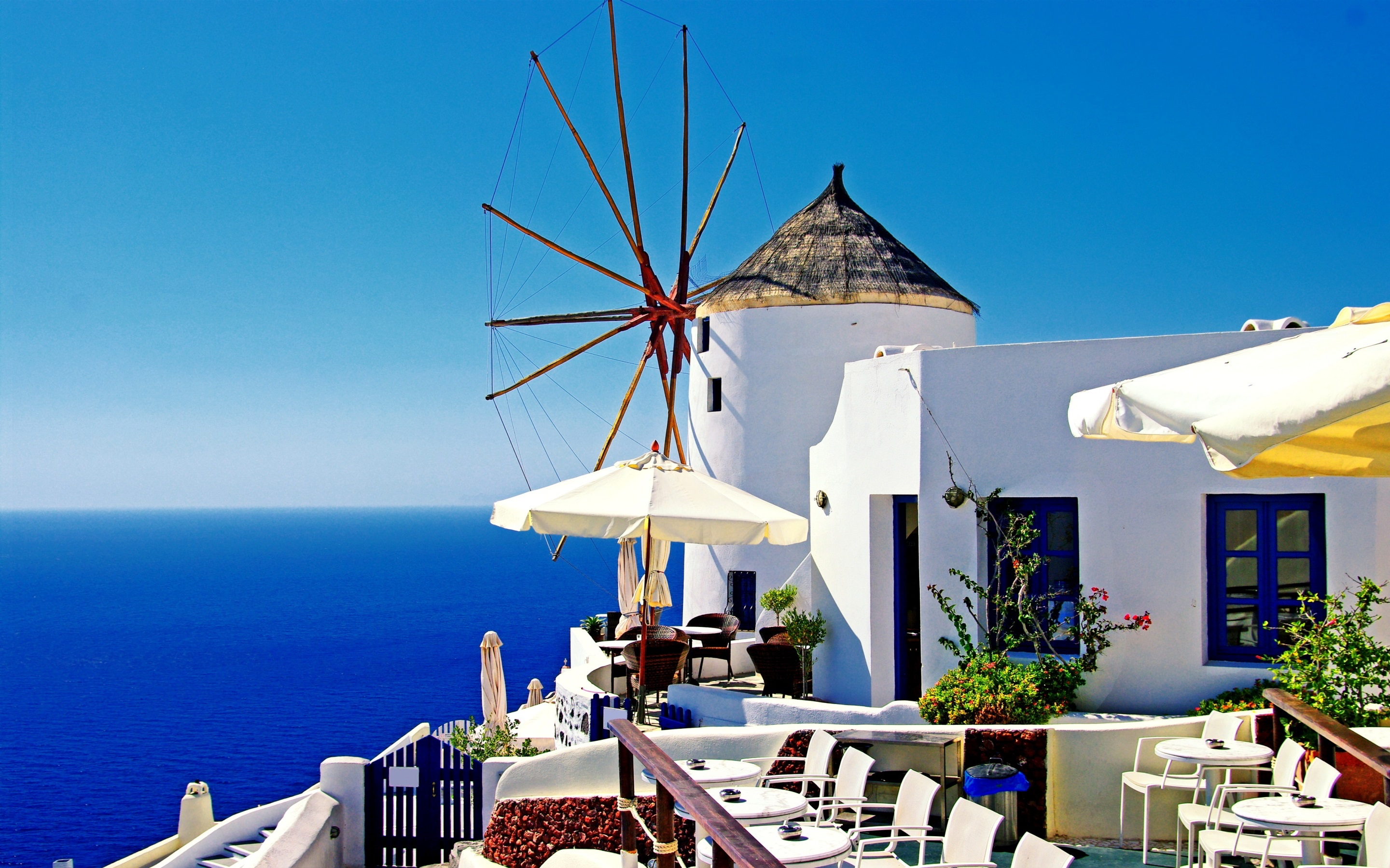 Wallpaper Santorini Greece white houses blue sea sunshine 2880x1800