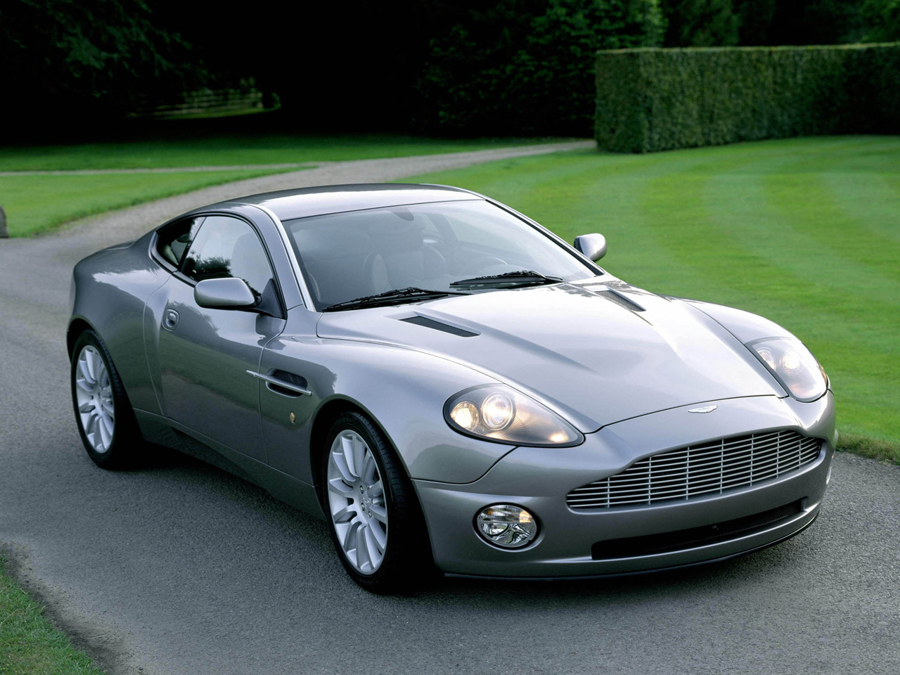 ASTON MARTIN Amazing Car Wallpapers Download Cars Wallpapers 1280x960