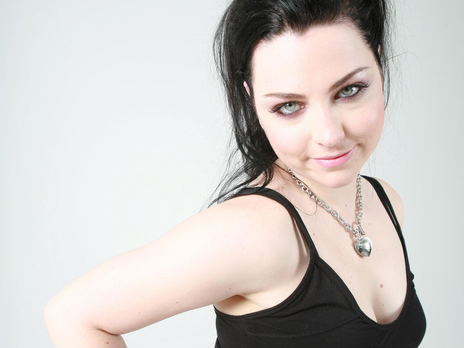 Amy Lee   Evanescence Wallpaper 2392763 1600x1200