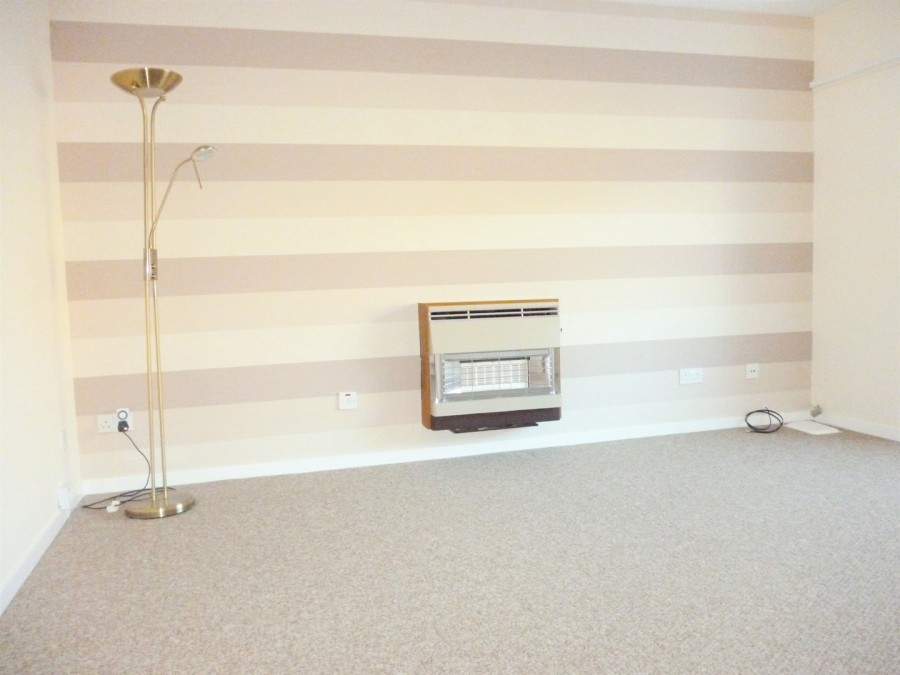 Veronica Crescent KIRKCALDY Fife 1 bedroom Semi Detached Bungalow 900x675