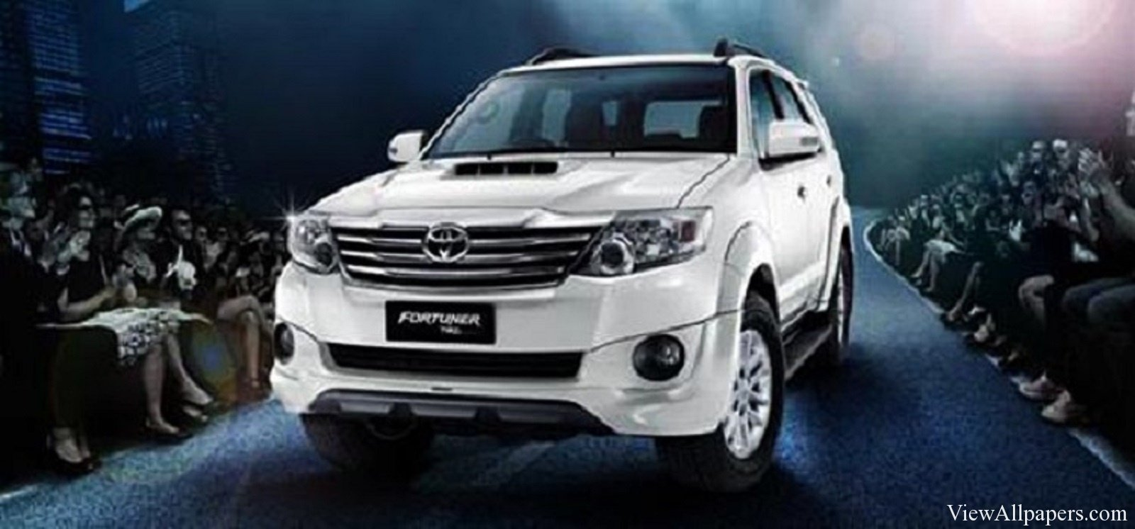 Download 2016 Toyota Fortuner High Resolution Wallpaper Download