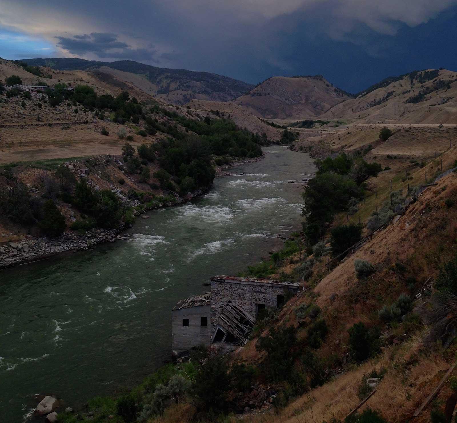 yellowstone river background   Paradise Adventure Company 1600x1481