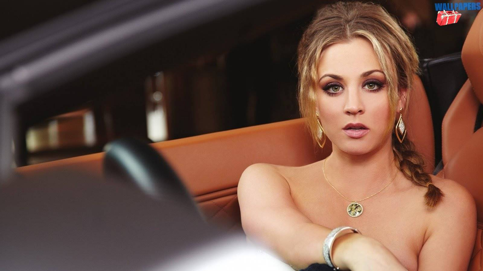 Kaley cuoco 2 wallpaper 1600215900 Desktop Widescreen 1600x900