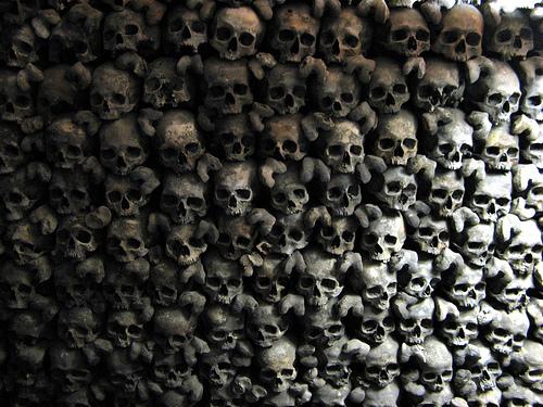 Skull Wall Leuk Stadt Beinhaus Leuk Stadt an uneasy expe 500x375