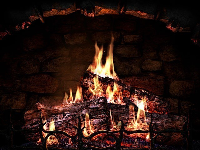 into a realistic fireplace with the help of the Fireplace screensaver 640x480