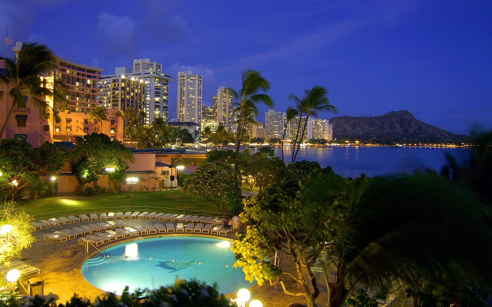 Download Waikiki At Dusk Hawaii HD Walls Find Wallpapers 1680x1050