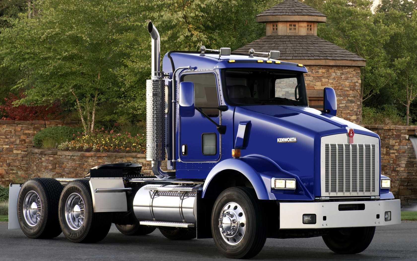 Kenworth car kenworth street tree truck 1680x1050