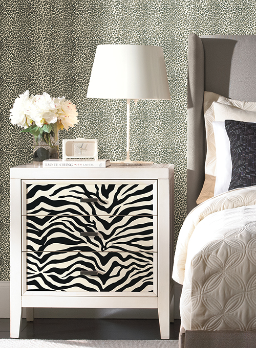 Black and White Mini Leopard Spot Wallpaper 05AHBW   LelandsWallpaper 500x681