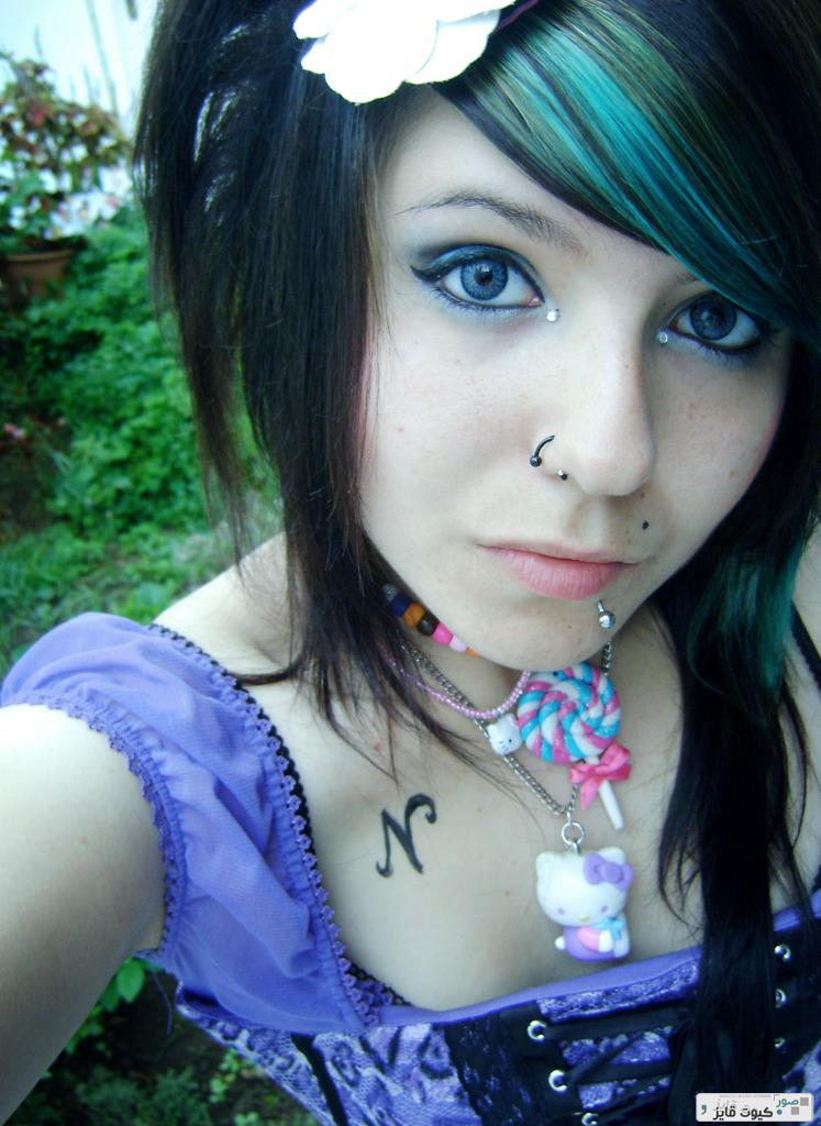 Cute Emo Girls   Babes HD Wallpaper 747x1024
