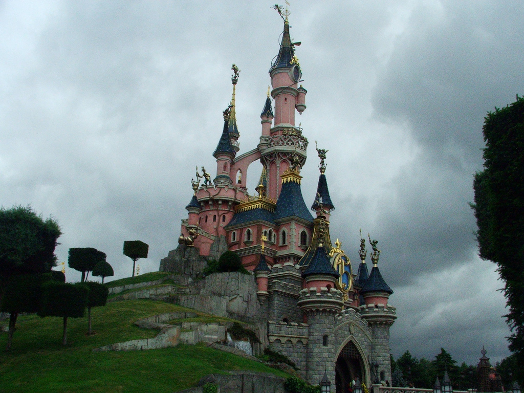 Disneyland paris wallpaper wallpapersafari for Chambre castle club disneyland hotel