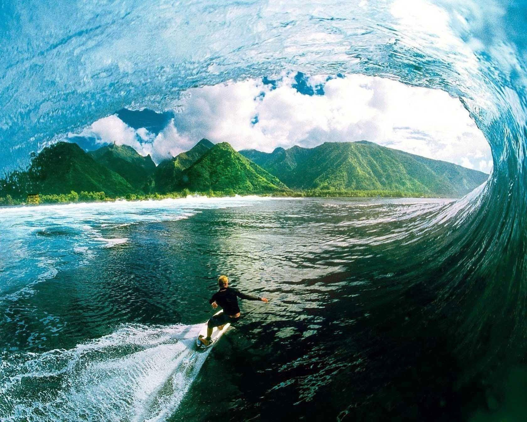 HD Surfing Wallpapers 1680x1344