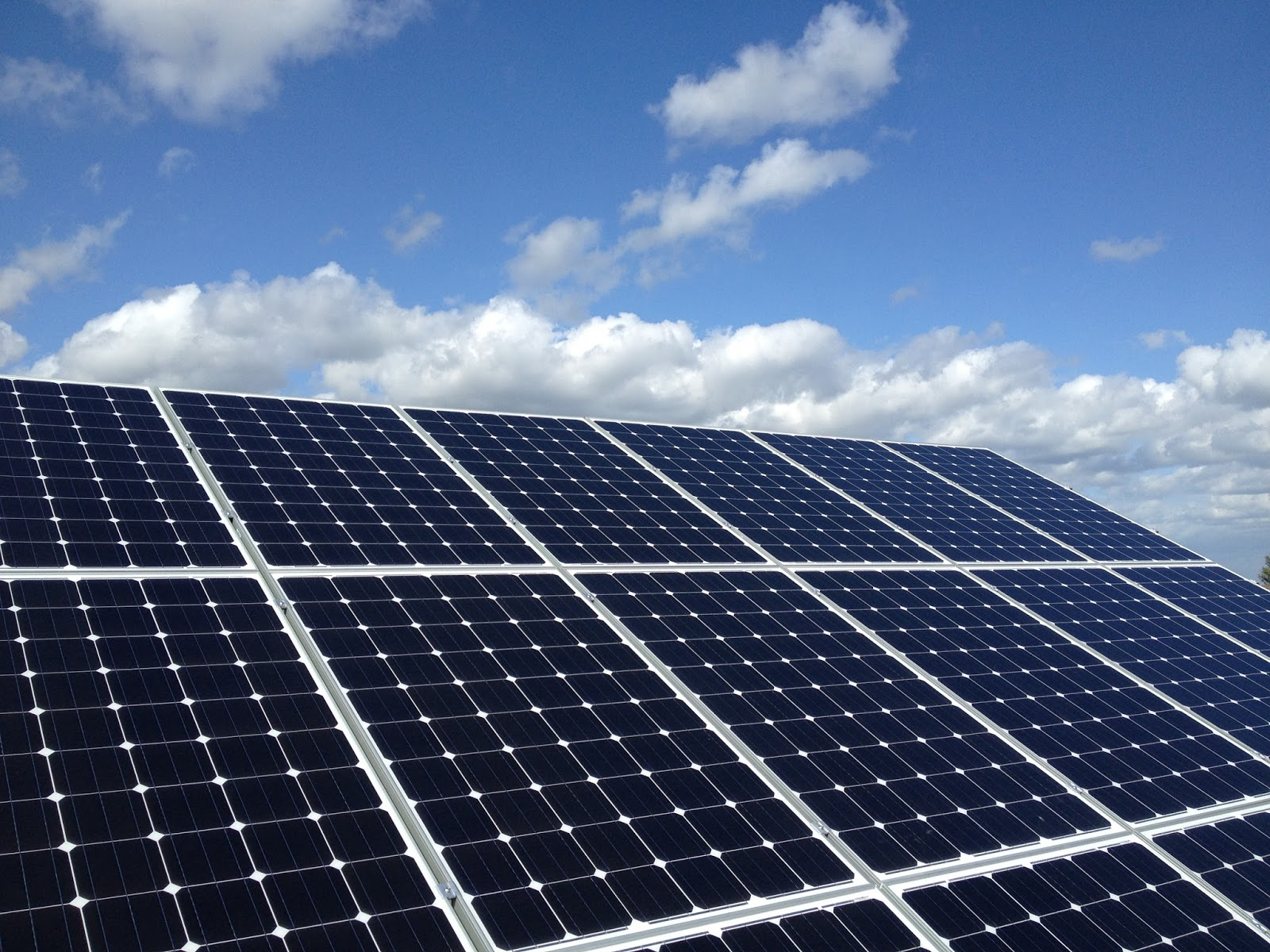Solar Panels Wallpaper Made Solar pv a Worthwhile 1600x1200